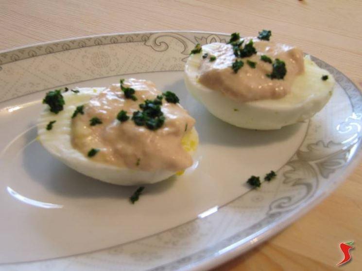Uova sode al prosciutto