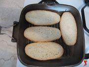 scaldare il pane per bruschette
