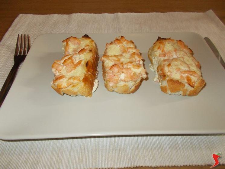 Crostini al salmone affumicato
