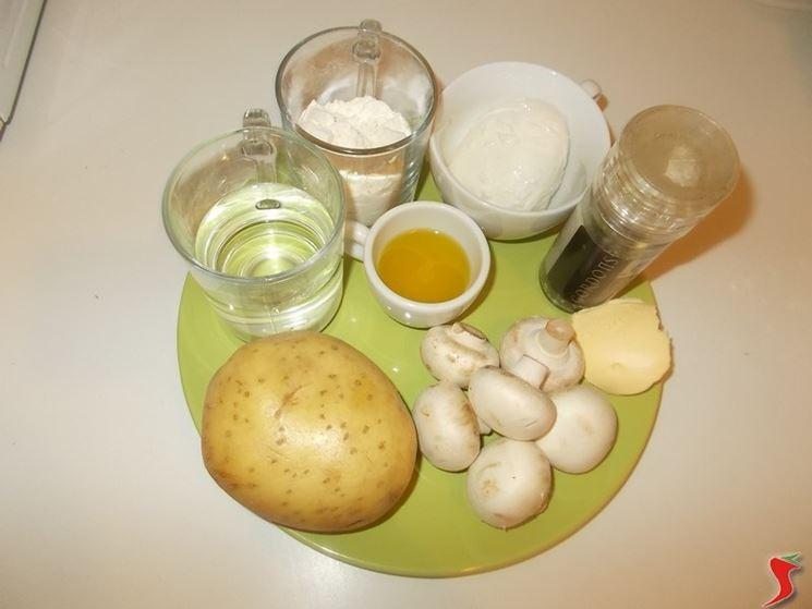 La torta salata ai funghi e patate