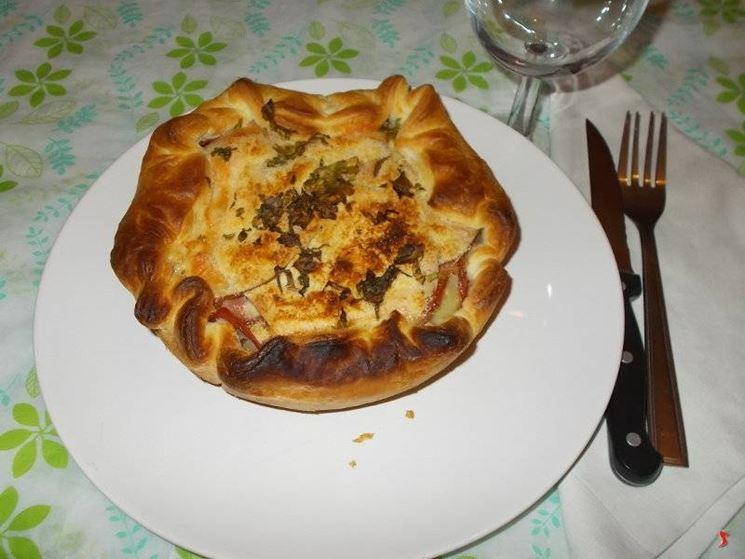 La torta salata al prosciutto crudo