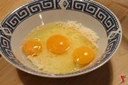 aggiungere le uova