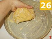 Preparare la base della crostata