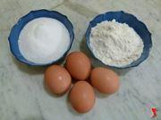 farina, zucchero e uova