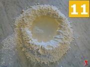 aggiungere acqua alla farina
