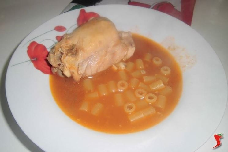 pollo in brodo
