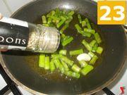 Cuocete gli asparagi