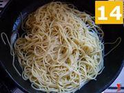 condire gli spaghetti