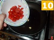 Cuocere i pomodorini