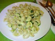 La pasta con panna e zucchine