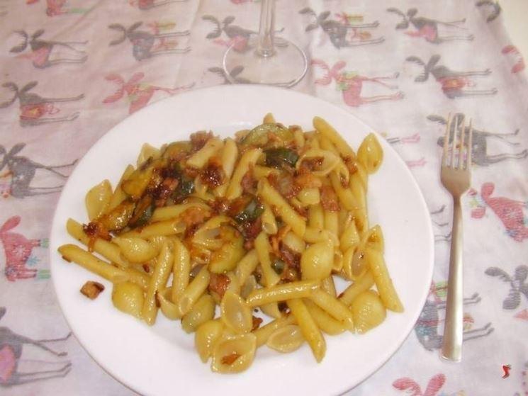 penne zucchine pancetta