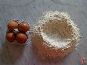 farina a fontanella e uova