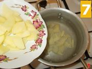 Lessare le patate e il porro
