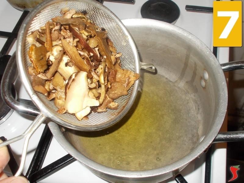 funghi secchi a bagno - 28 images - risotto funghi porcini secchi ...