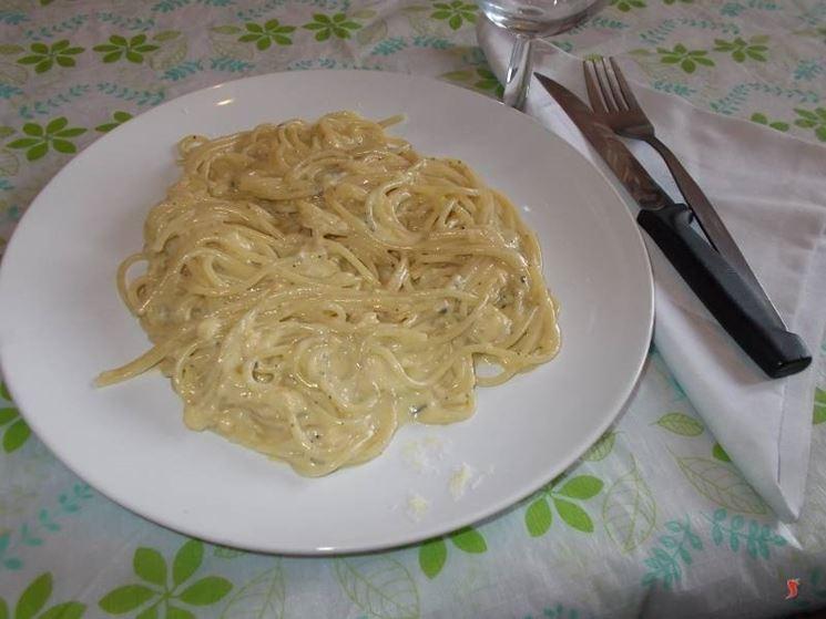 Gli spaghetti ai quattro formaggi