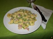 I <strong>tortellini panna</strong> e piselli
