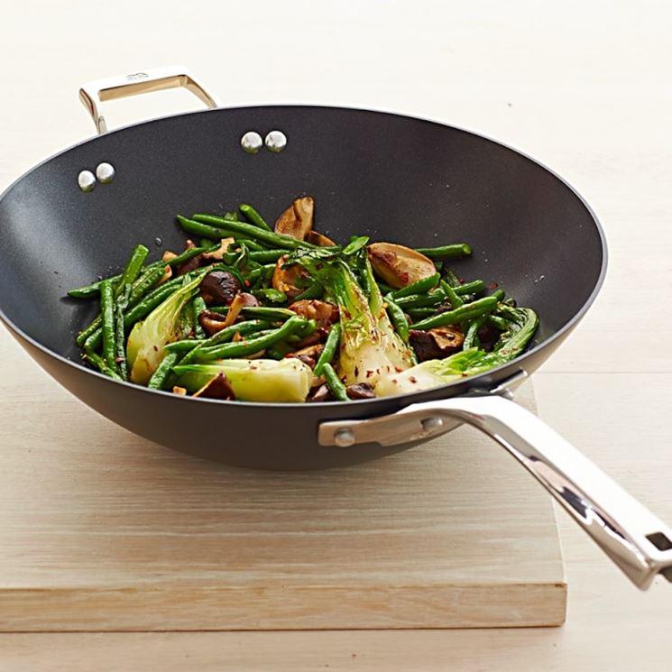 Padella wok attrezzi per cucina padella wok attrezzi per cucina - Attrezzi per cucina ...