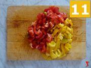 tagliare e pulire i peperoni