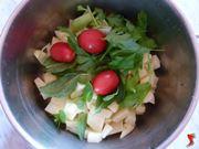 riporre le patate con il condimento in una pentola