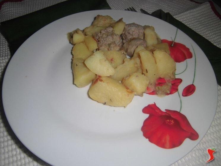 patate con salsiccia