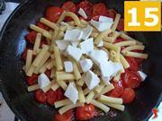 aggiungere mozzarella alla pasta