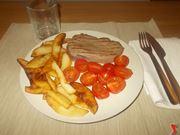 bistecca con patate e pachino