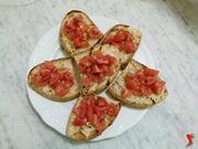 bruschette con il pomodoro