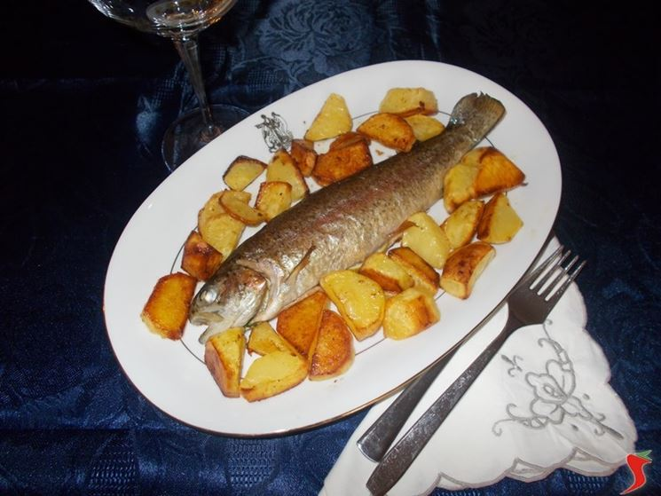 Trota salmonata con patate