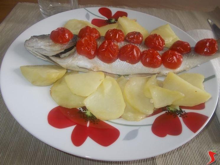 Branzino patate e pomodorini