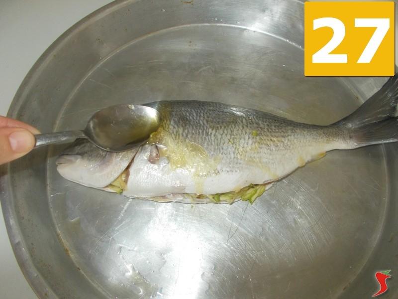 Orata ripiena pesci di mare orata ripiena ricetta for Contenitore per pesci