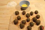 farina e uova per impanare