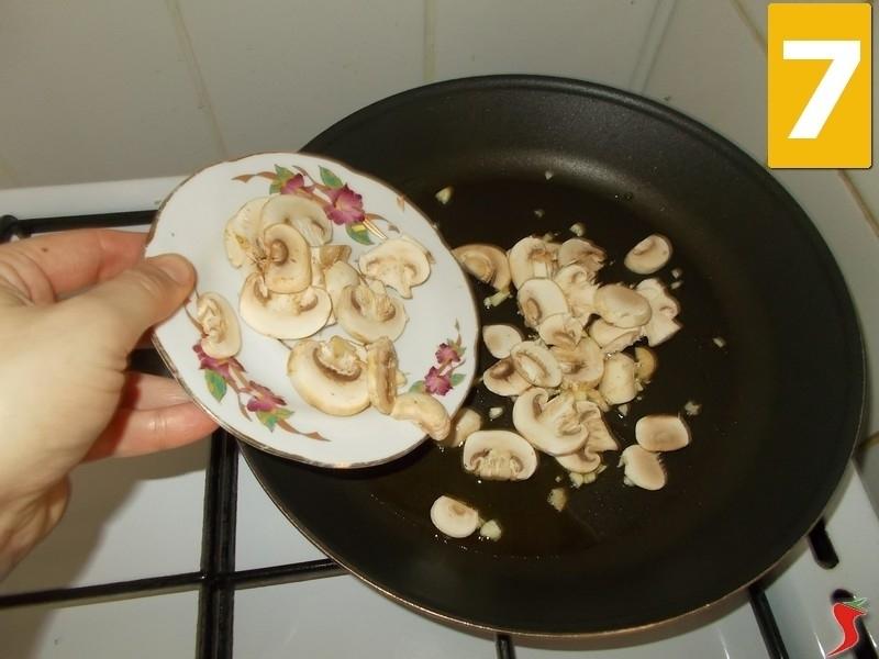 Cucinare funghi champignon ricette funghi ricetta for Cucinare funghi