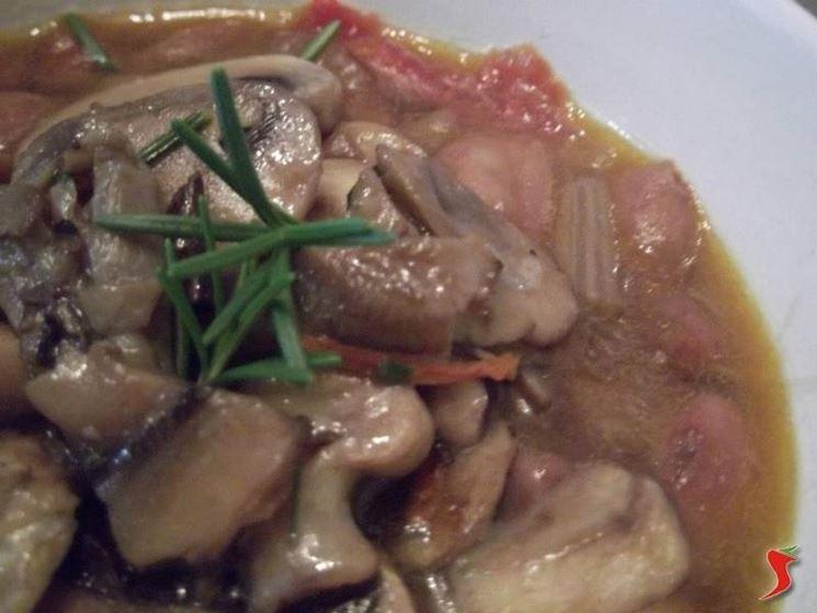 zuppa di funghi e borlotti