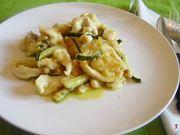 straccetti di petto di pollo alle zucchine