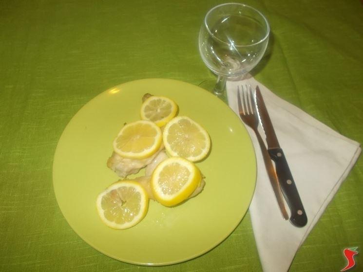 Il pollo farina e limone