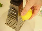 grattare limone