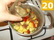 Iniziate a cuocere lo spezzatino