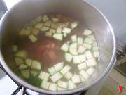 carote e zucchine in cottura