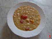 servire la zuppa di fagioli