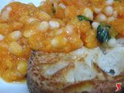 zucca e fagioli con pane abbrustolito