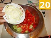 Continuate a preparare l'insalata