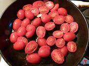 riporre i pomodori in padella