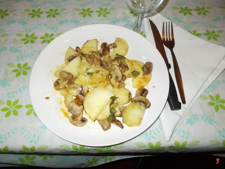 Le patate con i funghi