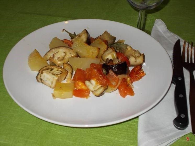 Le <strong>patate e melanzane</strong> al forno