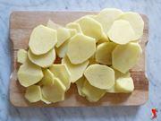 patate tagliate in forma circolare