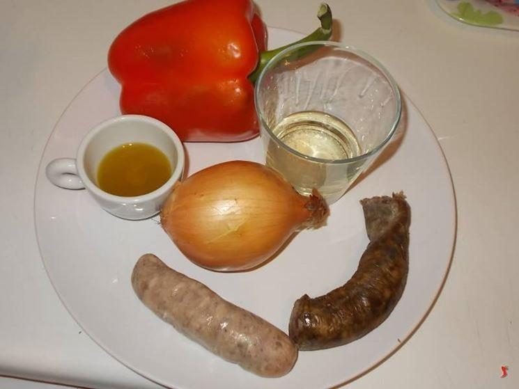 Peperoni e salsiccia peperoni ricette for Cucinare salsiccia
