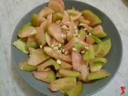 aggiungere aglio ai pomodori