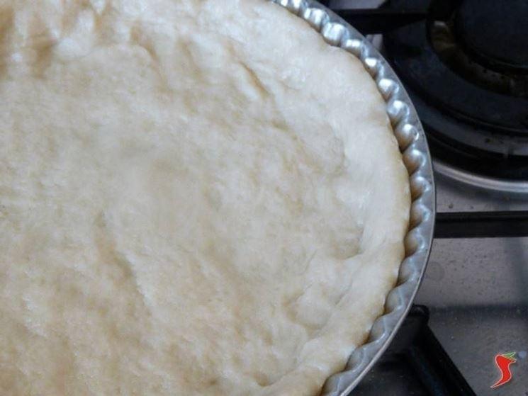 Preparazione ricetta torta salata